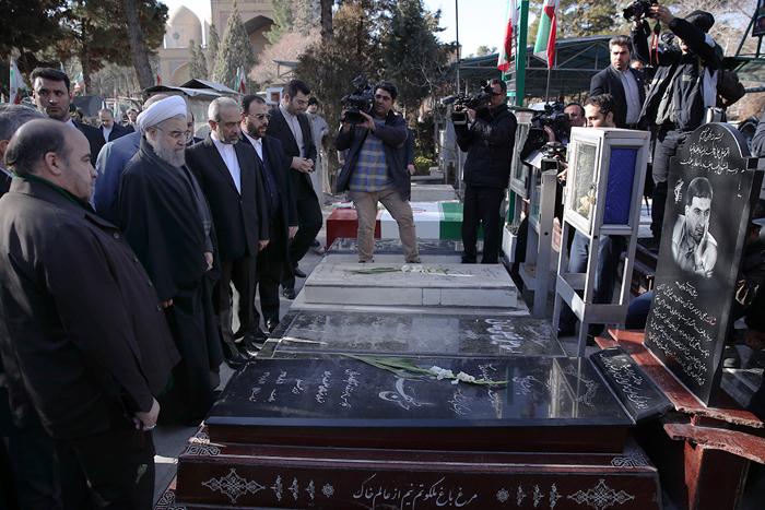 (تصاویر) تجدیدمیثاق هیات دولت با امام(ره)