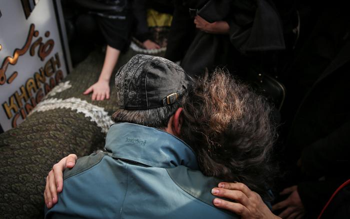(تصاویر) فرزندان جوهرچی در مراسم تشییع