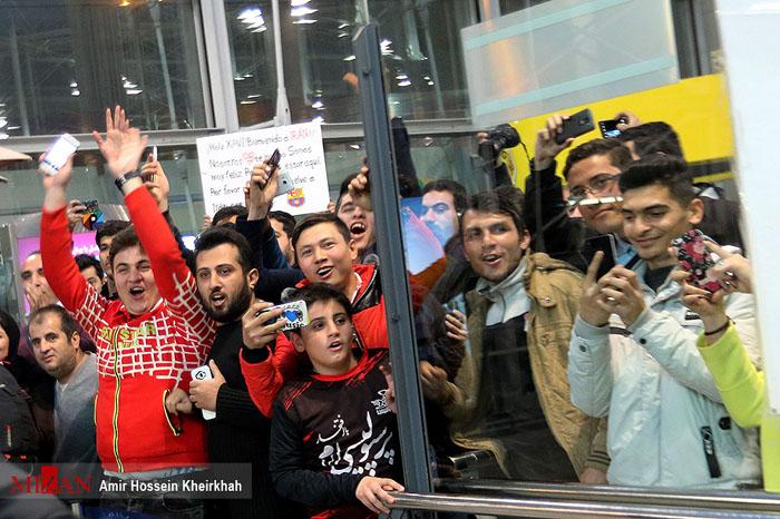 (تصاویر) استقبال از ژاوی در فرودگاه امام(ره)