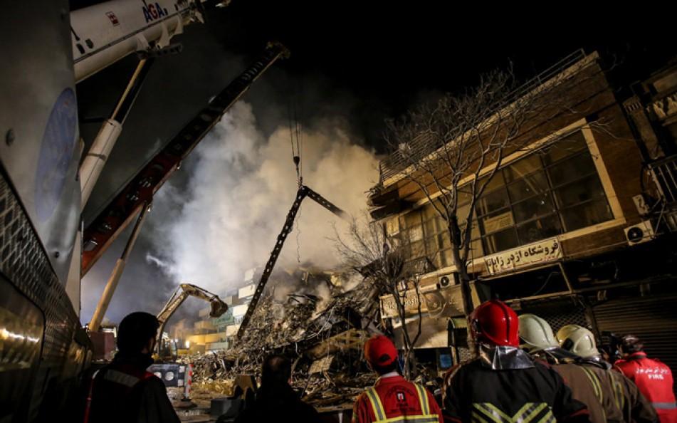 (تصاویر) تخریب ساختمان مجاور پلاسکو