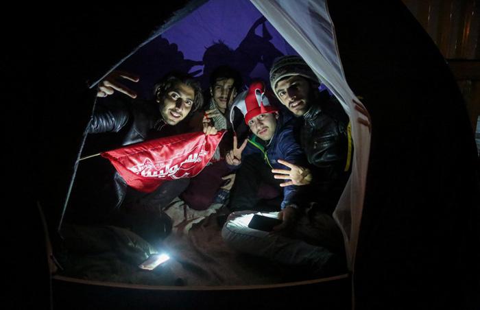 (تصاویر) هواداران سرخابی در شب سرد آزادی