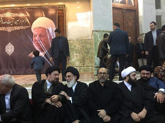 (عکس) همنشینی سیدحسن و ظریف درحرم امام