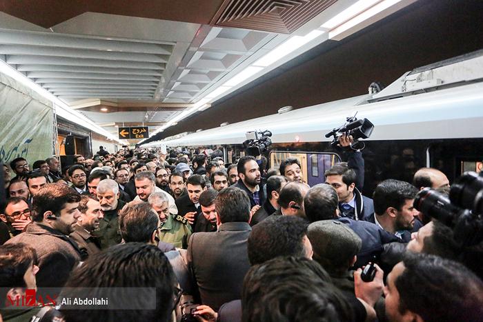(تصاویر) فرمانده سپاه در مترو