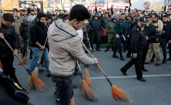 (تصاویر) تنبیه اجتماعی دستگیرشدگان چهارشنبه سوری