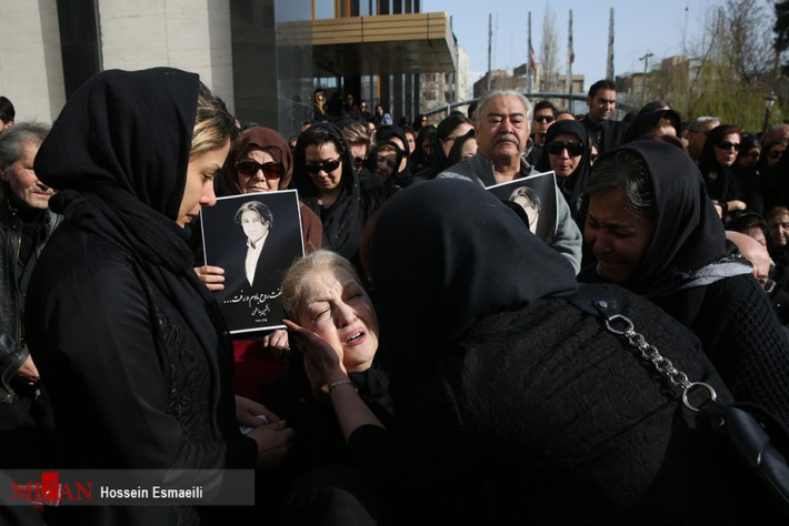 (تصاویر) افشین یداللهی به خانه ابدی بدرقه شد