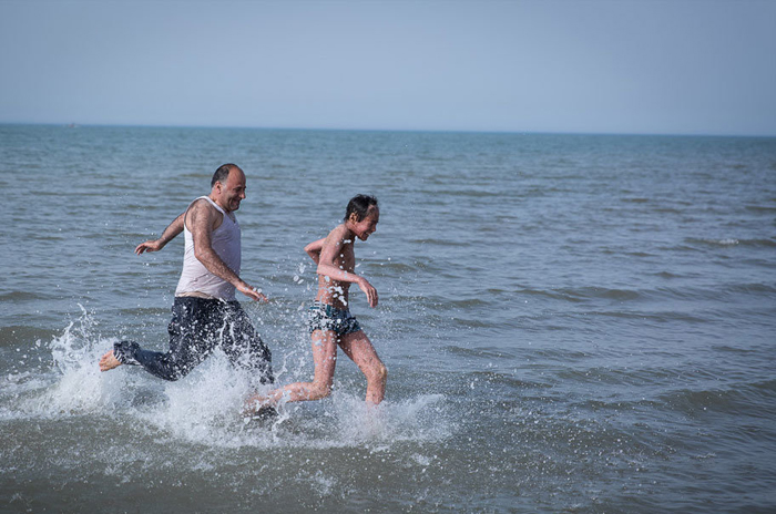 (تصاویر) پولک ماهی بر تن رنجور جواد