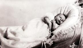 (تصاویر) دوران شیرخوارگی ملکه الیزابت