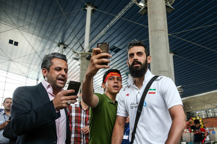 (تصاویر) استقبال پرشور از تیم ملی والیبال