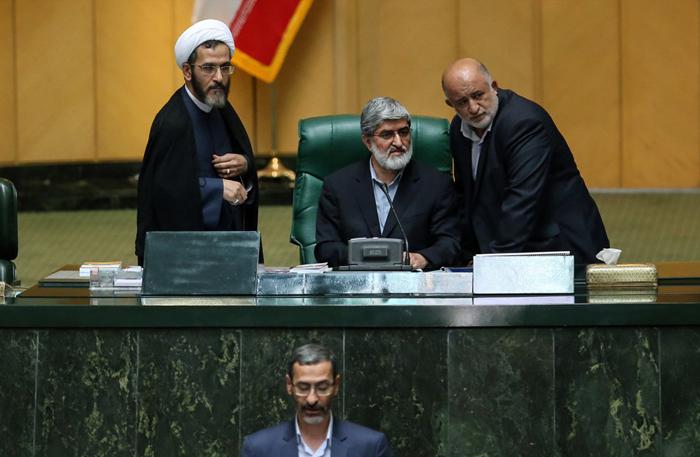 (تصاویر) مطهری بر صندلی ریاست مجلس