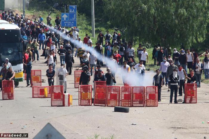 (تصاویر) درگیری معلمان مکزیکی با پلیس