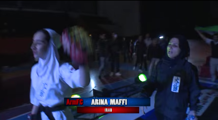کتک خوردن دختران ایرانی در رقابتهای رینگ و قفس!
