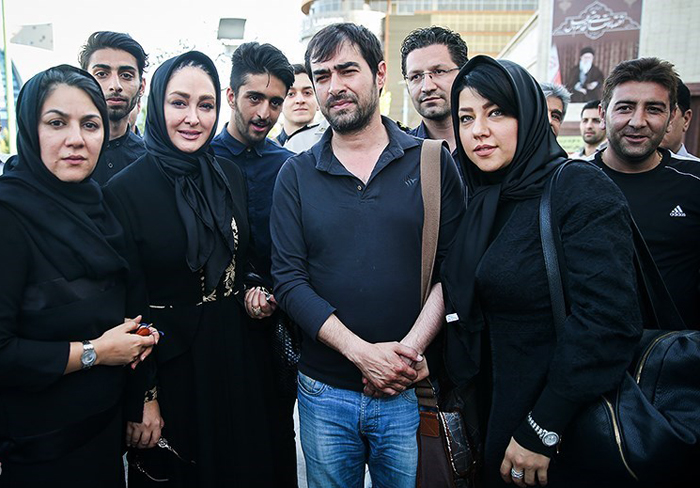 (تصاویر) شهاب حسینی و همسرش در ختم مرحومه صدیقه حکمت