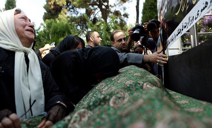 (تصاویر) تشییع مهدیه الهی قمشه ای