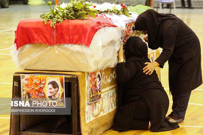 همسر ایرج خدری عکس تشییع جنازه تشییع جنازه بازیگران بیوگرافی ایرج خدری