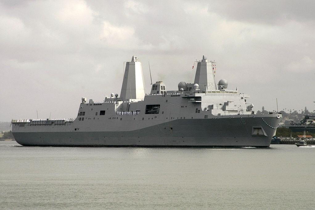 آمریکا تصاویری از قایق و کشتی سپاه منتشر کرد