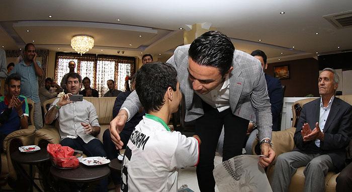 (تصاویر) خداحافظی جواد نکونام از فوتبال