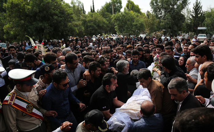 (تصاویر) تشییع سربازان جان باخته