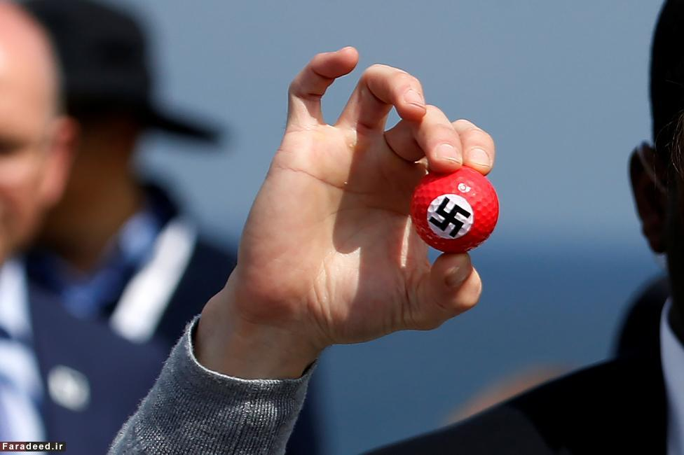 (تصاویر) اعتراض به ترامپ با توپ گلف