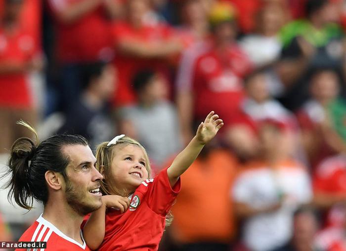 (تصاویر) جشن صعود گرت بیل و دخترش