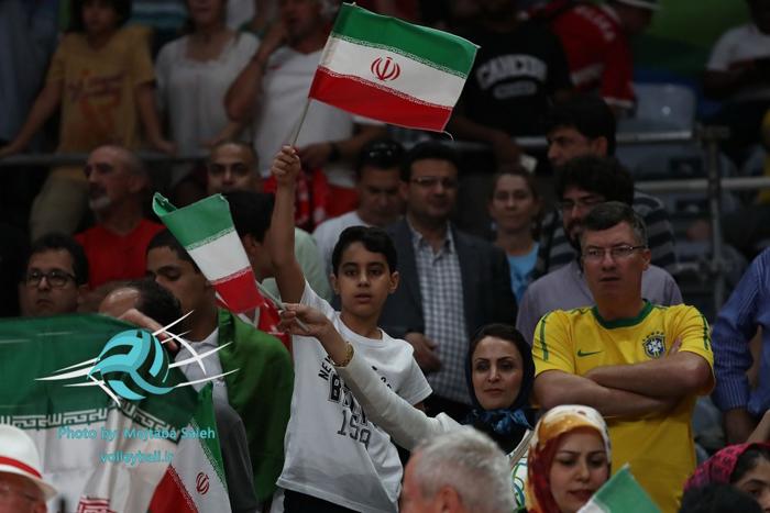 والیبال المپیک 2016 عکس المپیک 2016 برزیل تماشاگران والیبال ایران و لهستان تماشاگران والیبال تماشاگران زن والیبال ایرانیان در المپیک برزیل ایرانیان در المپیک 2016 المپیک 2016 ریودوژانیرو اخبار والیبال