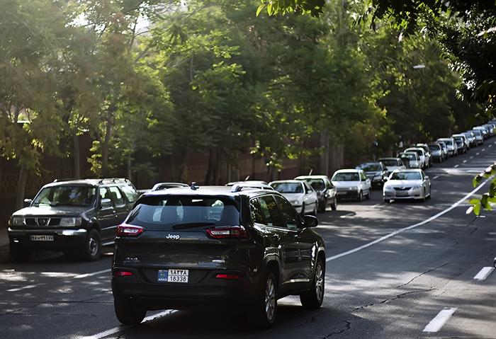 (تصاویر) جولان خودروهای لوکس در تبریز