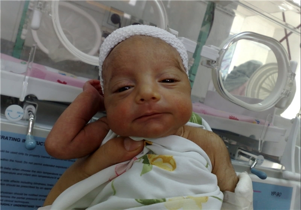 نوزادی بدون دل و روده و بدون شناسنامه!