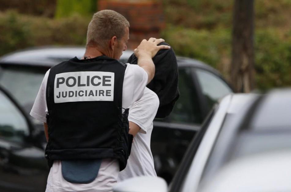 (تصاویر) گروگانگیری داعش در کلیسای نرماندی