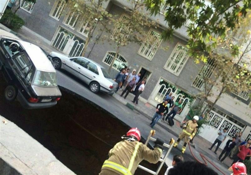 نشست زمین؛ خیابان پیامبر تهران مسدود شد +(تصاویر)