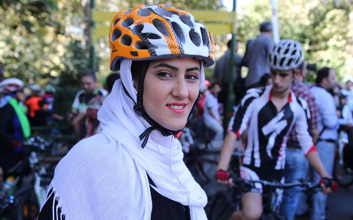 همایش دوچرخه سواری خانوادگی,همایش روز بدون خودرو,همایش سه شنبه های بدون خودرو,دوچرخه سواری زنان در تهران,دوچرخه واری دختران,دوچرخه سواری بازیگران در تهران