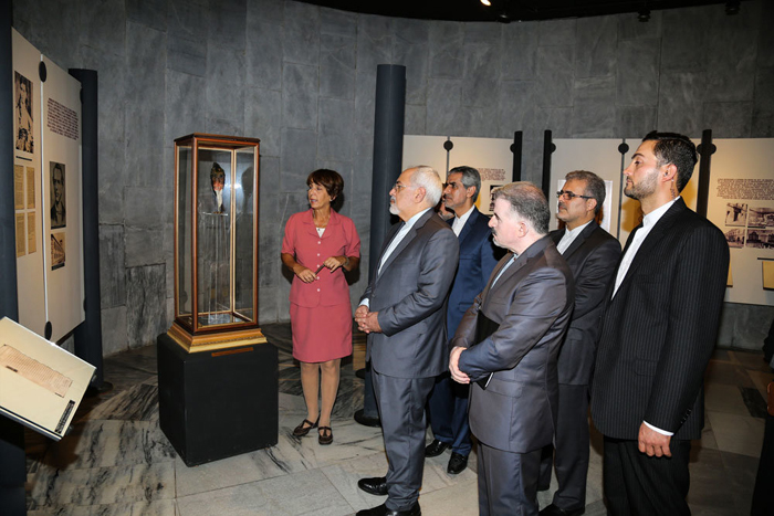 (تصاویر) سفر ظریف به کوبا و دیدار با رائول کاسترو