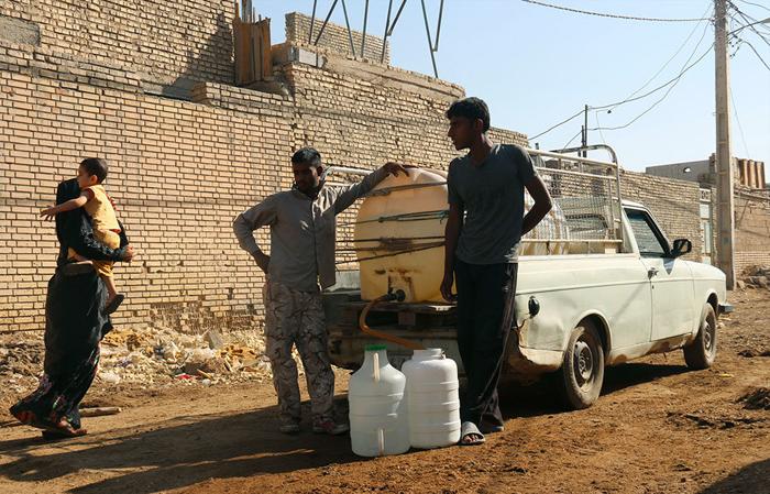 جیره بندی آب,توزیع آب در مناطق محروم,بی آبی,کمبود آب