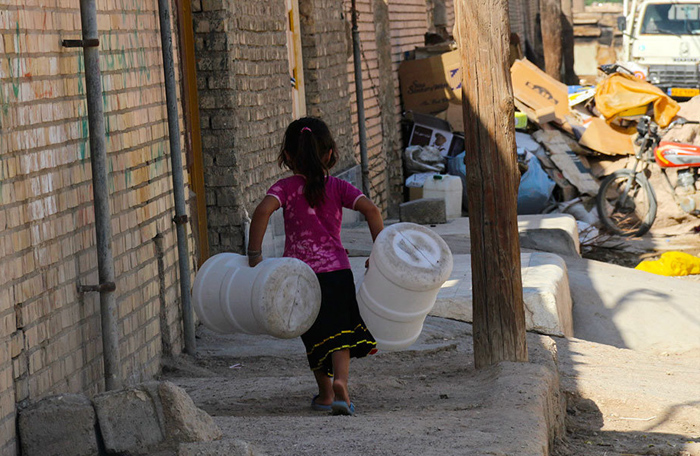 جیره بندی آب,توزیع آب در مناطق محروم,بی آبی,کمبود آب رد