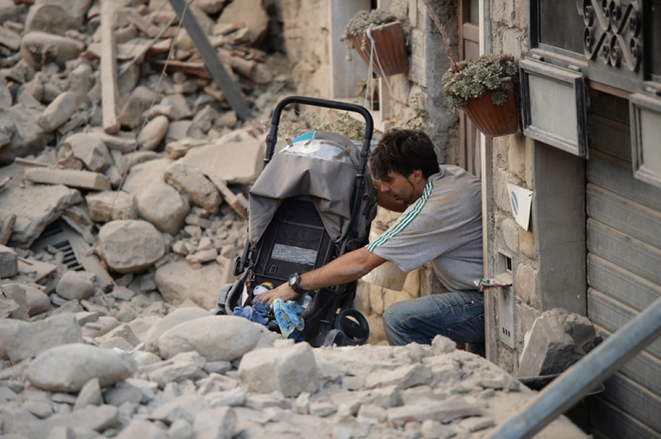 (تصاویر) خسارتهای زلزله مهیب در ایتالیا