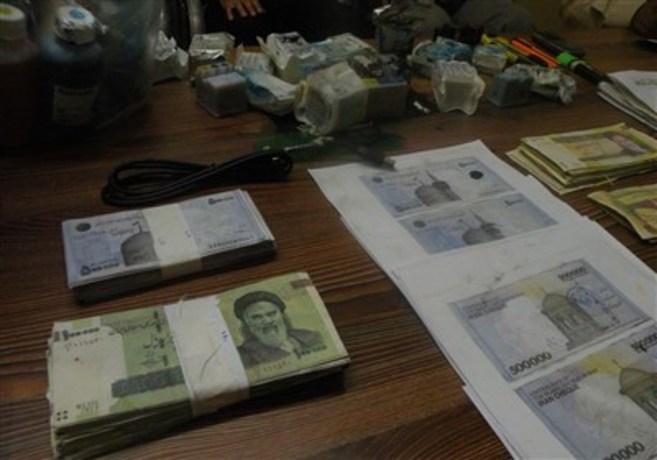 کشف کارگاه پول چاپکنی در حاشیه تهران+(تصاویر)