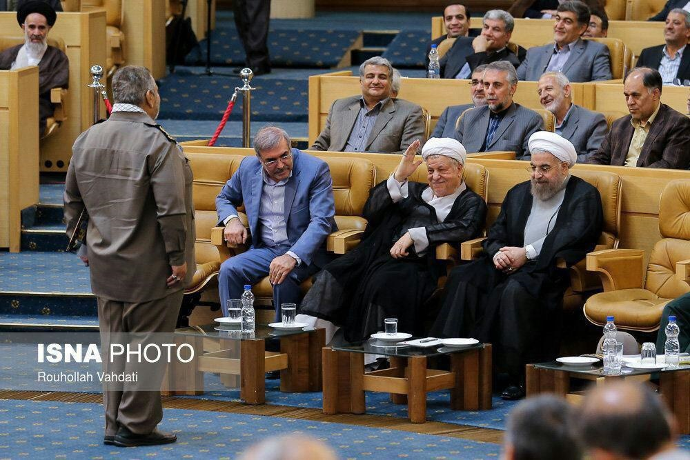 (تصویر) احترام نظامی سرلشگر فیروزآبادی برای هاشمی
