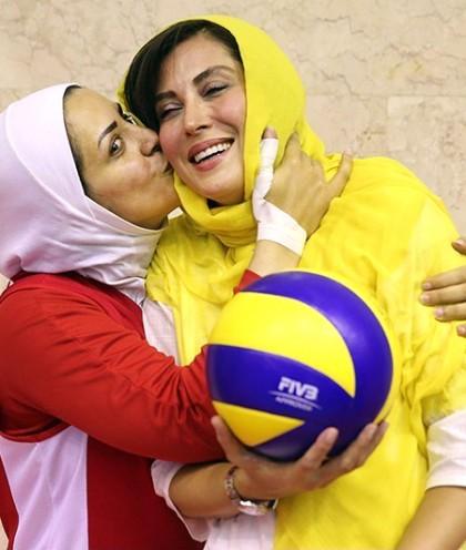 امروز به روایت تصویر// شوخی فوتبالیستها، اختتامیه جشنواره عروسکی، مهتاب کرامتی در اردو و...
