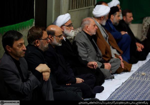 (تصاویر) عزاداری شب تاسوعای با حضور رهبر انقلاب