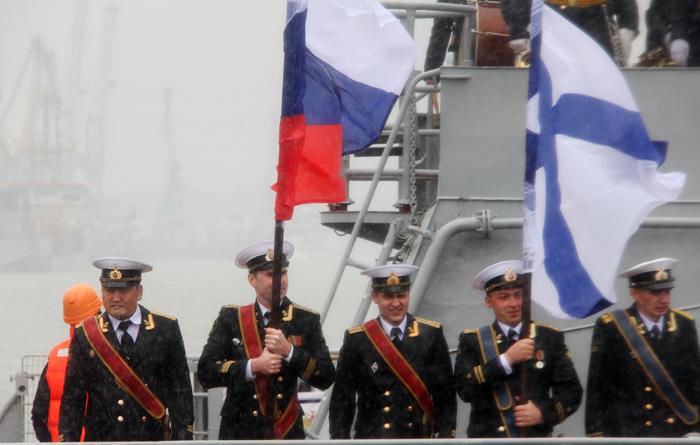 (تصاویر) ناوگروه روسی در انزلی پهلو گرفت
