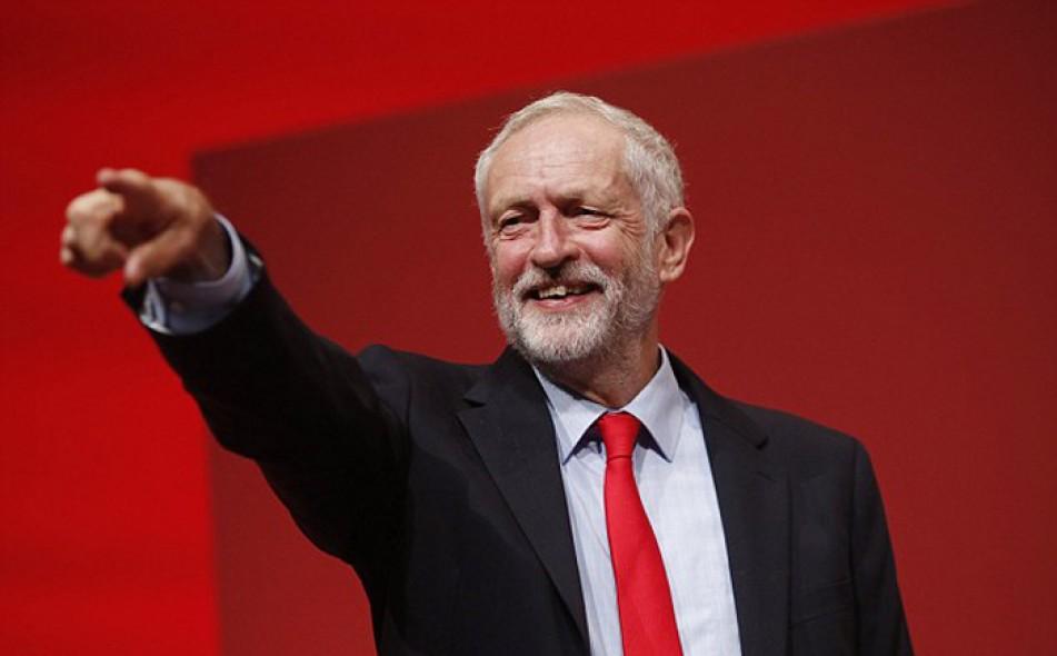 (تصاویر) جرمی کوربین رهبر حزب کارگر ماند
