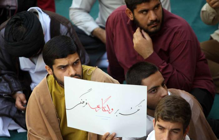 (تصاویر) تجمع طلاب علیه کنسرتهای موسیقی