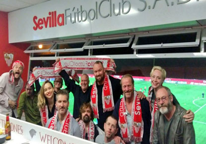 (تصاویر) بازیگران سریال «گیم آو ترونز» مهمان دیدار سویا و بارسلونا