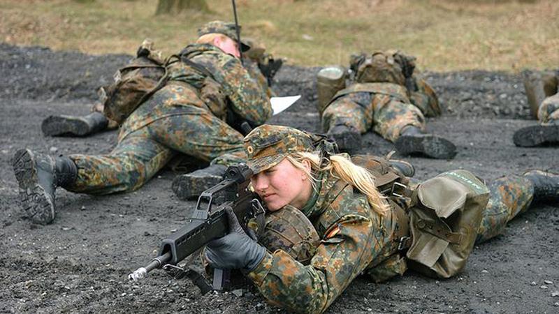 (تصاویر) زنان در ارتش آلمان چه میکنند؟