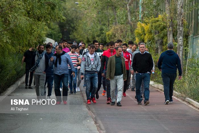 (تصاویر) پیاده روی بازیکنان پرسپولیس