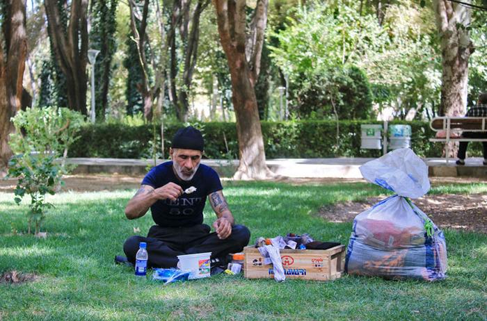 (تصاویر) بهدنبال نان حلال پس از 20سال حبس
