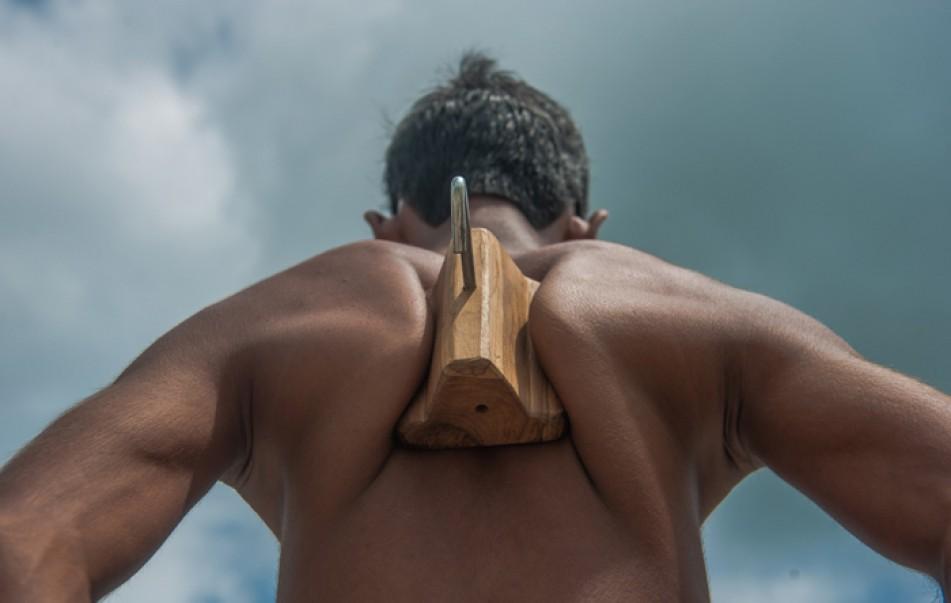 (تصاویر) کتفهای باورنکردنی نوجوان هندی