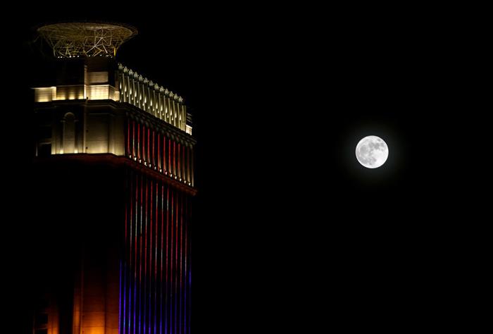 (تصاویر) ابرماه در آسمان ایران