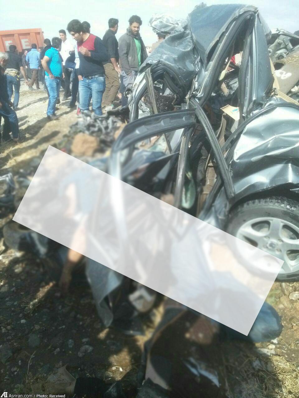 (تصاویر) تصادف تریلی، پراید و سمند در نهاوند؛ پنج نفر در آتش سوختند