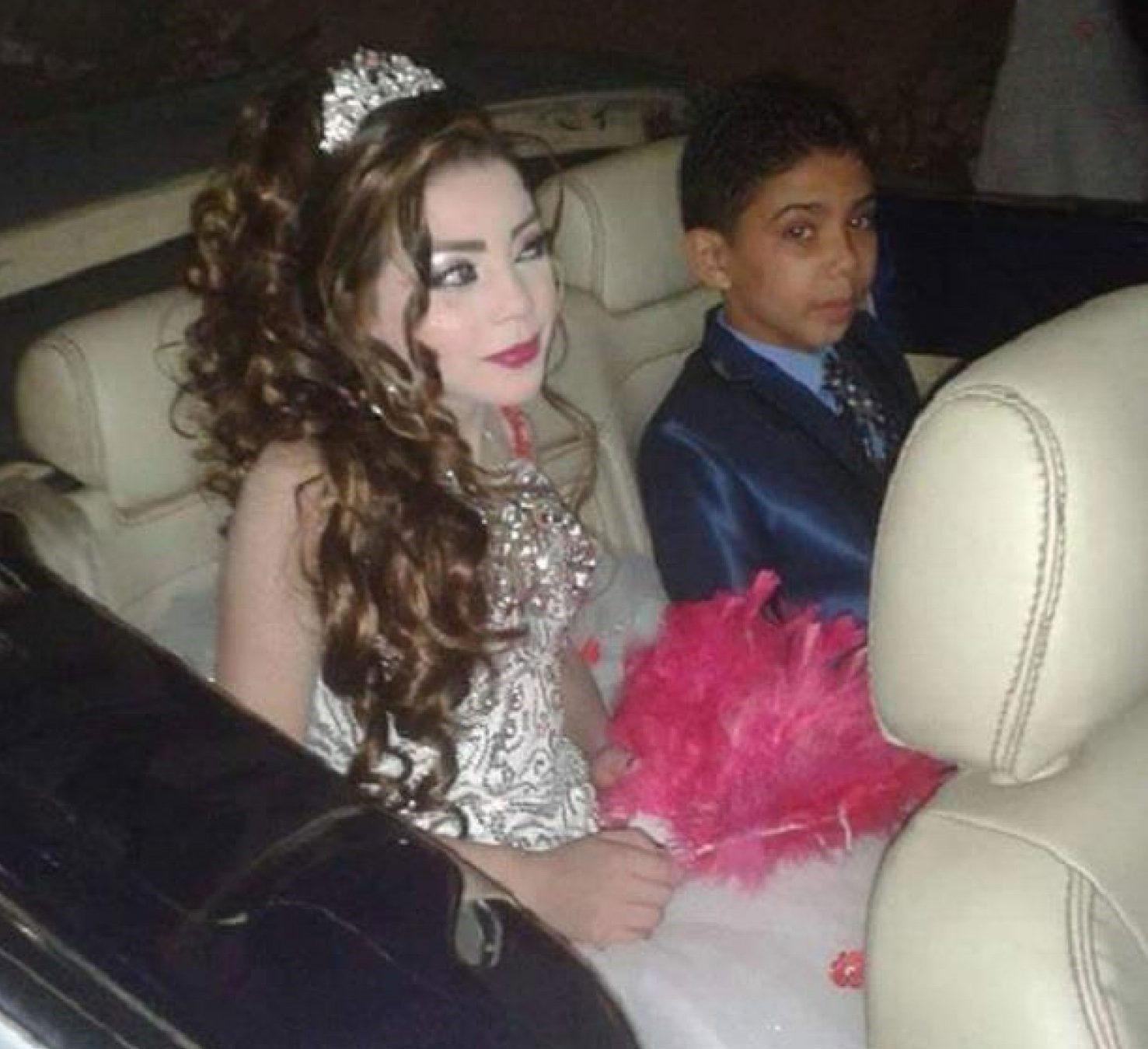 (تصویر) ازدواج پسر ۱۲ ساله با دختر ۱۱ ساله در مصر جنجالی شد