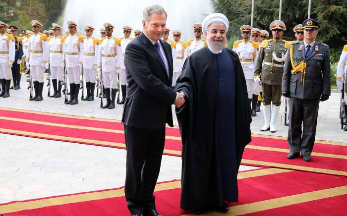 (تصاویر) استقبال رسمی روحانی از رییس جمهوری فنلاند