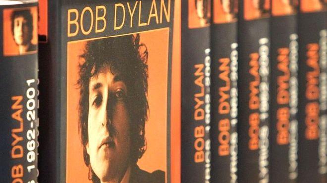 باب دیلن: خبر برنده شدن نوبل زبانم را بند آورده بود